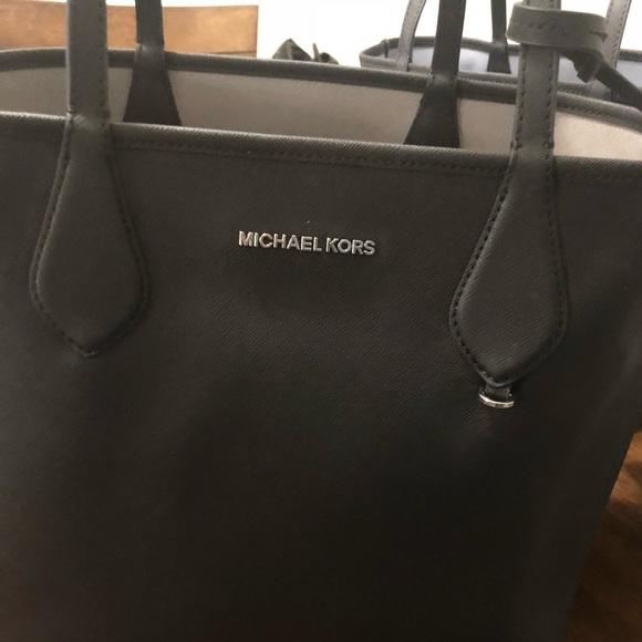 8e5e4feea2c4 MICHAEL Michael Kors Saige Medium Reversible Tote.  M_5be4e424c2e9fef4d6761a1b